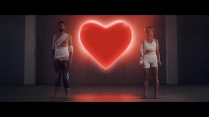 [превод] Любовта става по-силна * 2013 * Михалис Хаджиянис