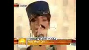 Rihanna - Dont Stop The Music @ Today Show