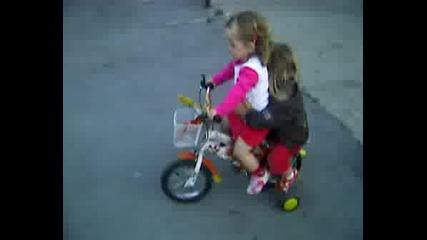 Симона вози Тинка