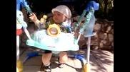 Данко скача на бънджито - 6месеца