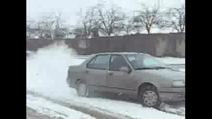 Рено - Завъртане На Сняг