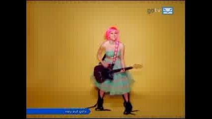Avril Lavigne - The Best Damn Thing [offical video]