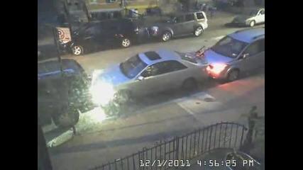 Смях - Ето как се паркира една кола.