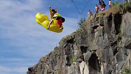 Истинска лятна забава - Rope Swing Water Launcher . .