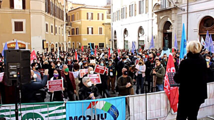 Italy: Entertainment industry employees stage protest in Rome
