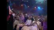Дебели Сладурани Танцуват