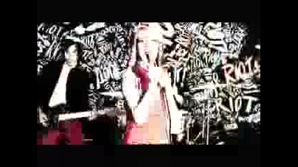 Paramore-misery business (official video)