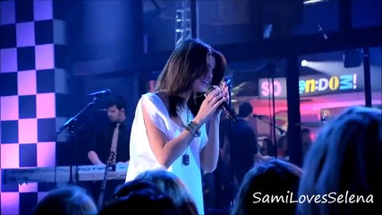 Селена пее Who Says в ' So Random '
