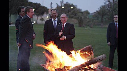 Libya: Archive photos show Putin meeting with Gaddafi in Libya in 2008 *ARCHIVE*