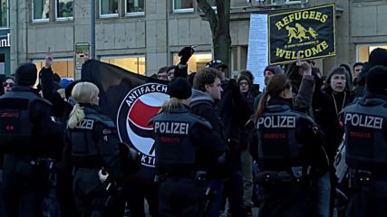 Germany: National Socialists picket PEGIDA march