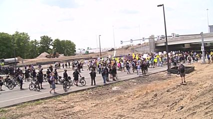 USA: Anti-Trump protesters march through Cleveland