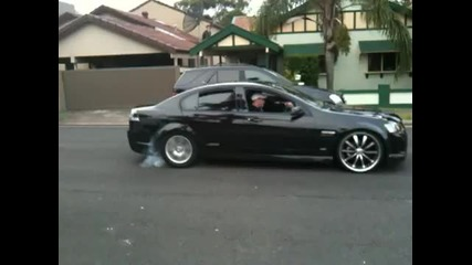 Зверски старт - Бърнаут Vxr8 Pontiac G8