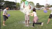 Дебора връща шегата на Тиаго с ледена кофа и брашно - Canal Boom