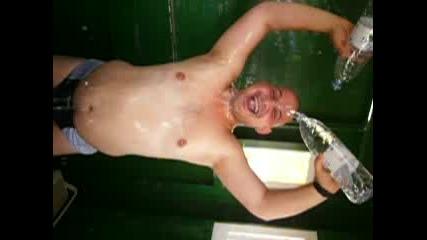Къпане С Две Бутилки