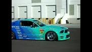 Ford mustang Gt drifting