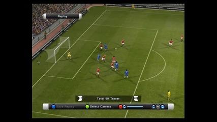 Много готин и техничен гол на Michael Essien - Pro Evolution Soccer 2011