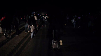 Honduras/Guatemala: Thousands of migrants break police cordon, crossing into Guatemala