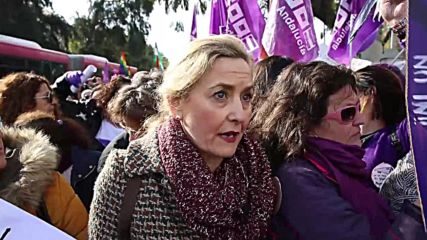 Spain: Thousands of feminists protest setback for women's rights