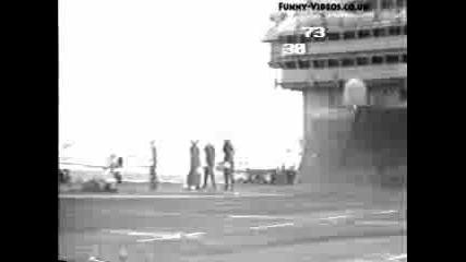 Инцидент При Потегляне На Боен Самолет