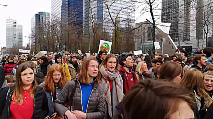 Belgium: Students march for climate law in Brussels
