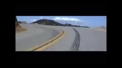 Dodge Viper Се Хвърга В Дере