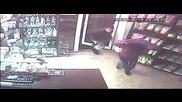 Банда хлапета обраха магазин за 30 секунди