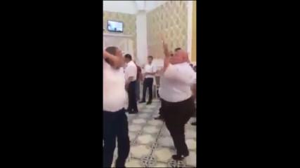 Шишко танцува лудо