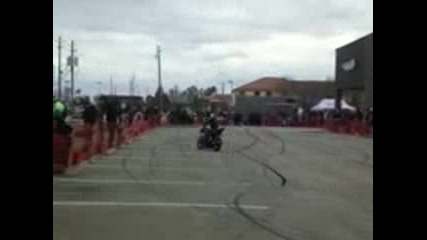 Extreme 2013 Yamaha R6 Stunts 1080p