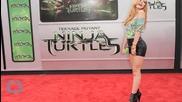 First Look At Stephen Amell As Casey Jones In Teenage Mutant Ninja Turtles 2