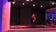 красиви и секси момичета вариете шоу кабаре цирк танци гимнастика акробат Contortion