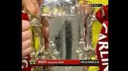 Manchester United Празнуват След Победата :)