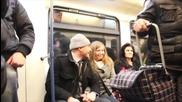 Предложение за Брак в Софийското метро - (flash mob)