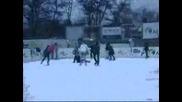 Падания на Ледена Пързалка - Арияна