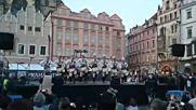 Български народни танци в центъра на Прага