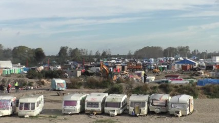 France: Heavy police presence as night falls on fourth day of 'Jungle' camp clearance