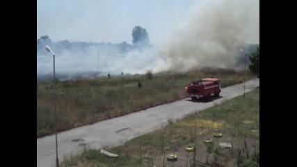 ямболски пожарникари в деиствие.