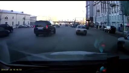 Паркиране със стил и много късмет - Русия