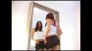 Гореща мацка танцува пред огледало - 233еr