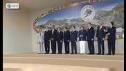 Димитрий Медведев пиян на среща на Г8