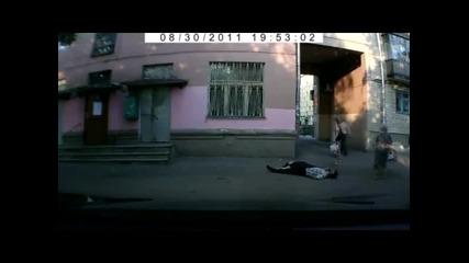 (+18) Брутални Сцени Случаен видеозапис вкарва убиец в затвор