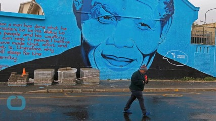 South Africans Mark Mandela's 67 Years of Struggle With 67 Minutes of Community Service