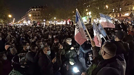 France: Thousands of pro-refugee demonstrators gather for second consecutive night at Place de la Republique
