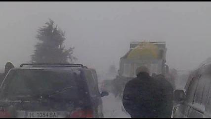 Варна бутането на 1 снегорин на магистралата