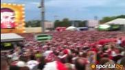 Огромно знаме на Полша във фензоната в Гданск на мача с Чехия