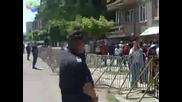 протестът пред полското посолство - за малките павел и николета