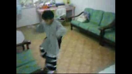 Малко дете , Голям талант - Moonboy Hardstyle Shuffle