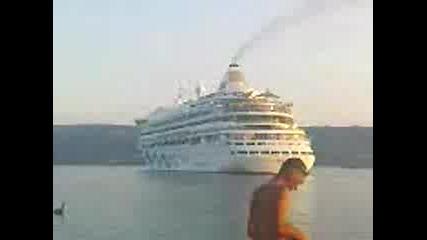 200-метровия кораб Aidaaura във Варна 3
