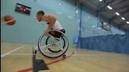 Как се играе баскетбол с инвалидна количка
