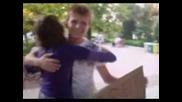 """Free hug - """"как едно малко нещо като една прегръдка е способно да сътвотри толкова много усмивки.."""