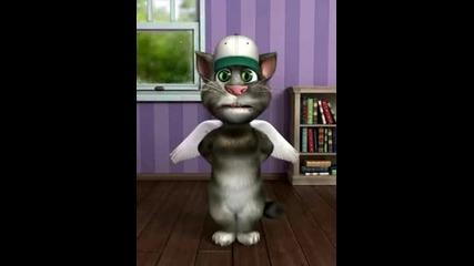 Смях! Лудата котка Том прави beatbox